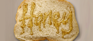 Making a Text Effect using Honey on a Bread