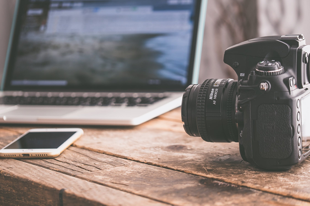 Pros and Cons of Photography and Videography in Visual Marketing
